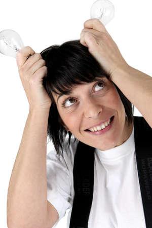 tonto: Mujer con sus tapas de pensar en