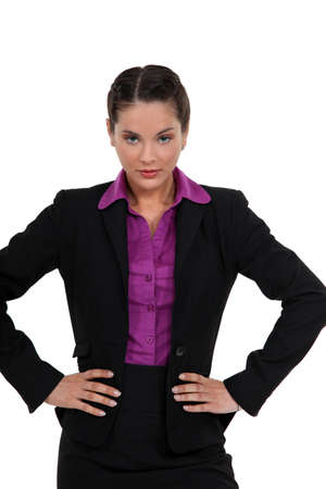 arrogancia: Mujer con las manos en las caderas