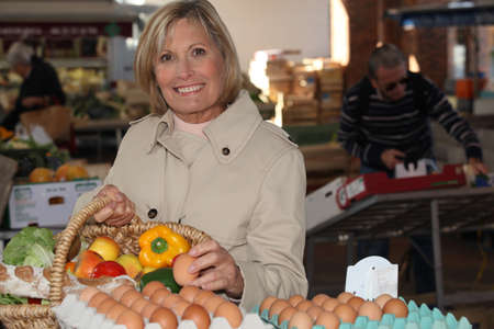 vegs: Woman at the market