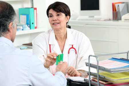 arzt gespr�ch: Weibliche medizinische Beratung