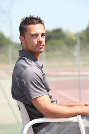 arbitrator: Arbitro tennis 20 anni seduto sulla sua poltrona