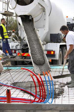 cemento: Mezcladora de cemento en la acci�n