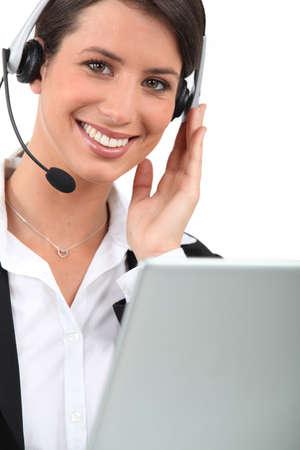 sales rep: female telesales worker