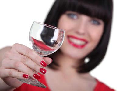 uñas pintadas: Mujer con copa de vino