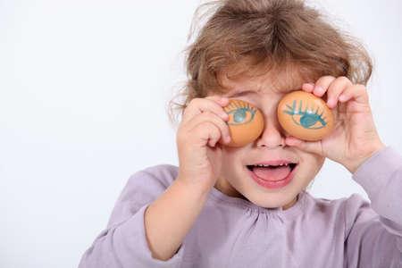 amused: Girl will pebble eyes