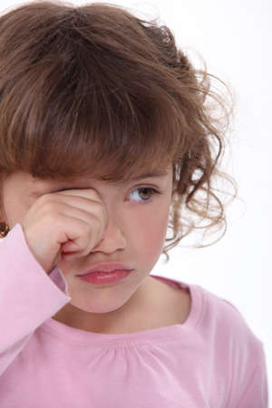 occhi tristi: Una giovane ragazza piangere