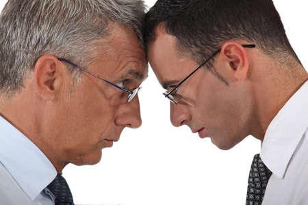 firmeza: Empresarios cabeza a cabeza