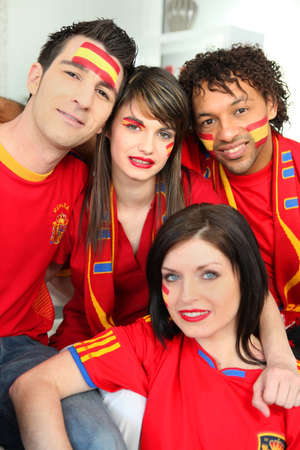 caritas pintadas: Grupo de aficionados al fútbol español