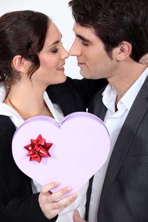 dar un regalo: San Valentín Foto de archivo