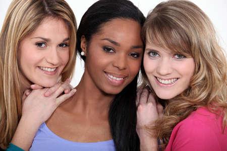 kobiet: Portret trzech młodych kobiet Zdjęcie Seryjne
