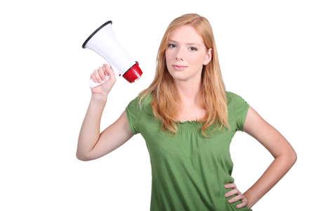 loudhailer: Una rubia linda que sostiene un meg�fono