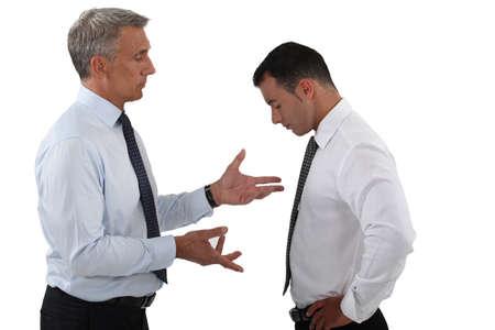 jefe enojado: Jefe reprimenda de empleado