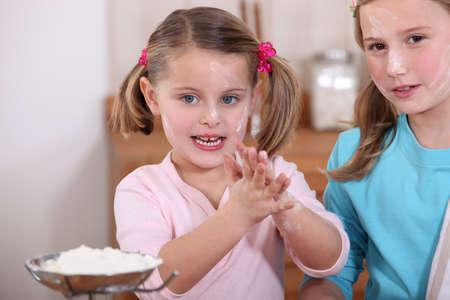 Children baking in the kitchen Stock Photo - 15916281