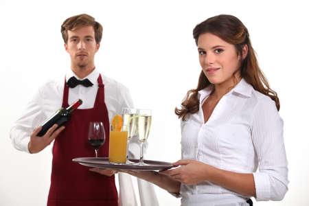meseros: Vino camarero y camarera, tiro del estudio Foto de archivo