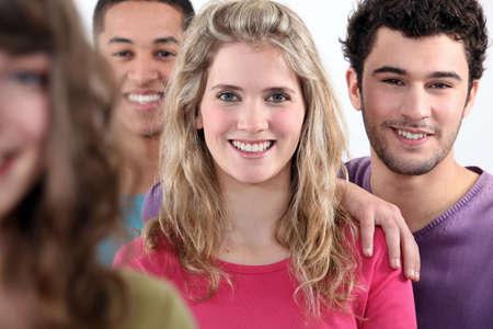 Grupo de adultos jóvenes