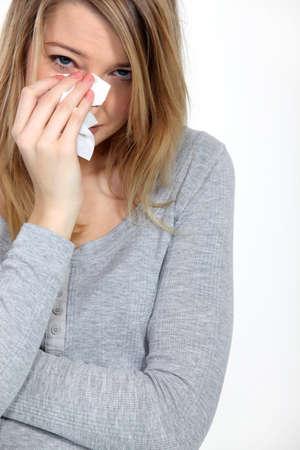 mujer llorando: Él es un idiota