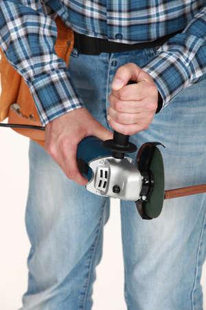 koperen leiding: Loodgieter snijden koperen buis