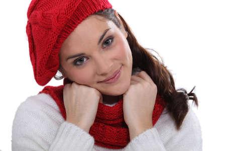 tejidos de punto: Mujer en prendas de punto con estilo