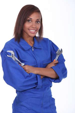 obrero: Mujer con dos llaves