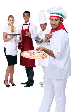 chef italiano: Chef de la pizza italiana y el restaurante Foto de archivo