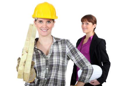 Vrouwelijke architect en bouwer