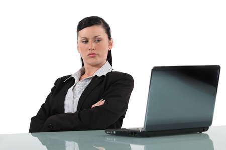 molesto: Mujer busca equipo descontento