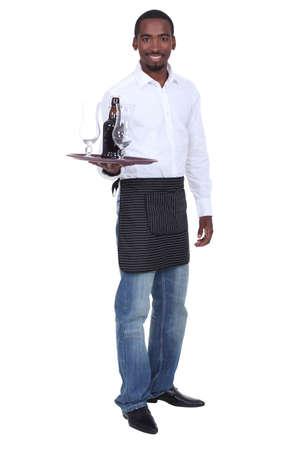 gastfreundschaft: Portrait von einem Kellner mit seinem Tablett Lizenzfreie Bilder