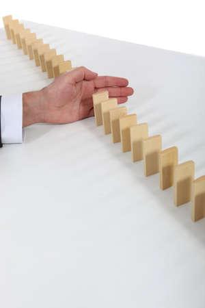 tumble down: Dominoes