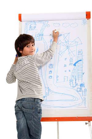 yetenekli: Yetenekli küçük çocuk çizim