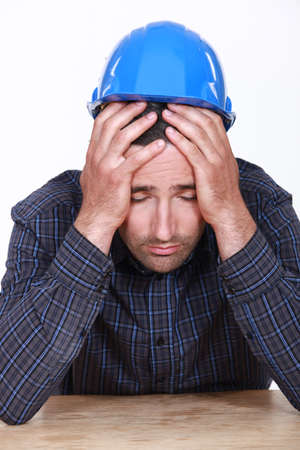vibrations: Overworked builder has had enough