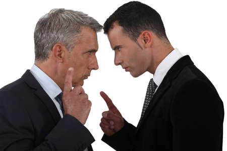 Paar leidinggevenden bespreken