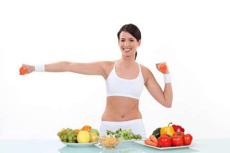 levantar pesas: Una alimentación sana y fitness