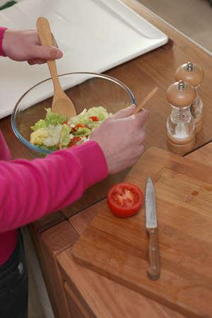 comestible: making salad