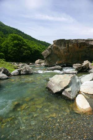 source d eau: source d'eau de montagne