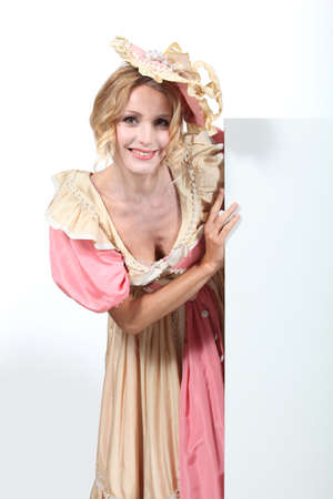 vestidos de epoca: Mujer vestida en traje de período Foto de archivo