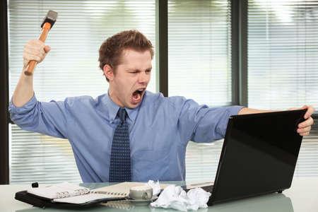 Hombre de negocios enojado Foto de archivo - 26102719