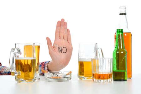 alcoholismo: Mujer que sufre de alcoholismo