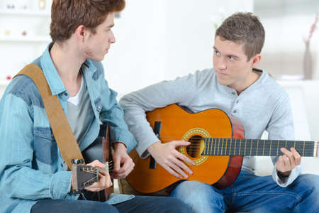 accomplices: Playing the guitar together