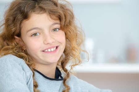 niños riendose: Closeup of smiling school girl