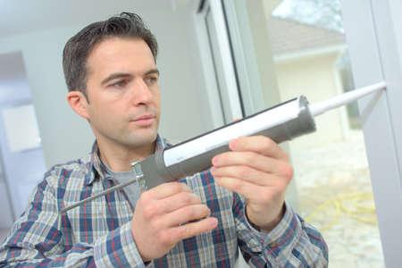 aluminium: Using caulking around a new window