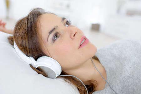 equipo de sonido: Escapar del mundo gracias a sus auriculares