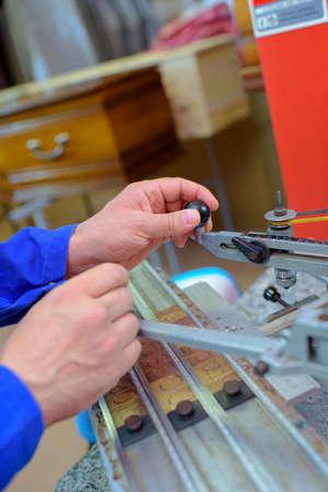 engraver: letter engraving