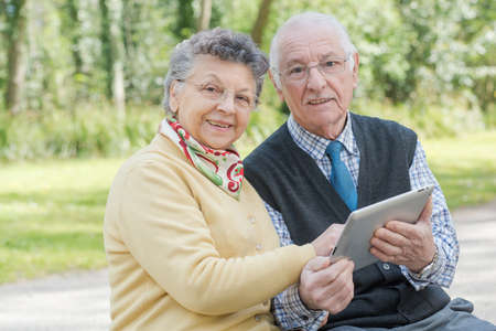 learners: old couple with a tab