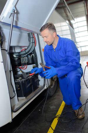fixing a big vehicle Banque d'images