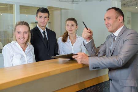 servicio al cliente: dirección del hotel