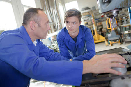 metalworking: fixing the drilling machine