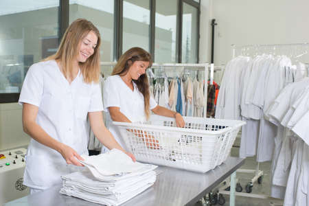dry cleaner: laundry girls