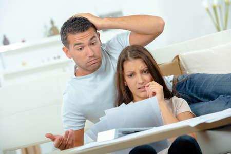 factura: Pares tensionados por las cuentas