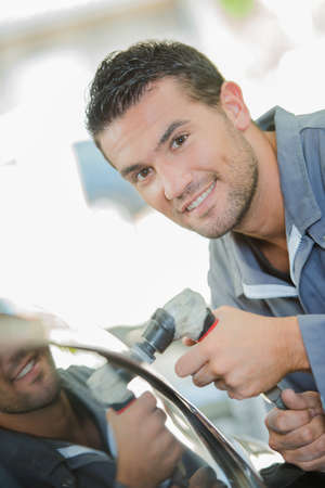 buffing: Mechanic Buffing Car