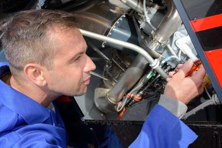 avionics equipment mechanic